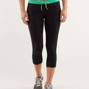 Lululemon crops Beach Runner Black / Very Green